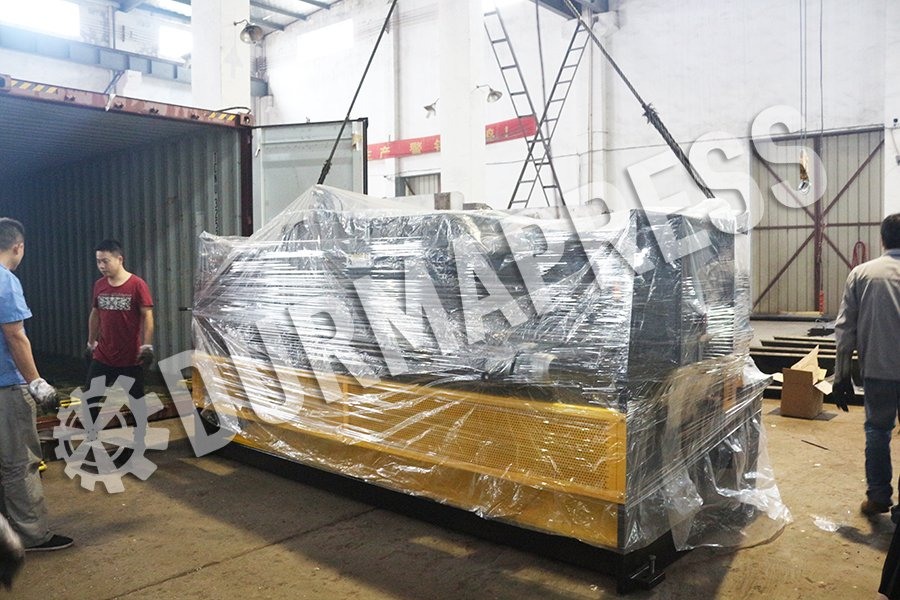 QC12Y 8x3200 shearing machine delivery out .jpg