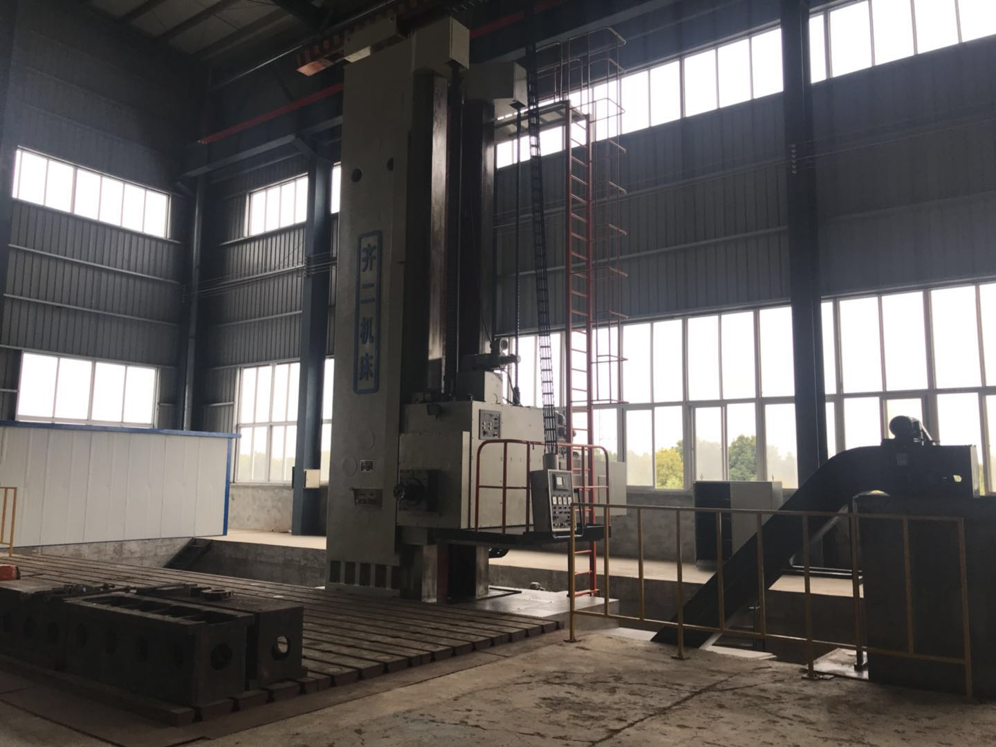floor-type milling boring machine