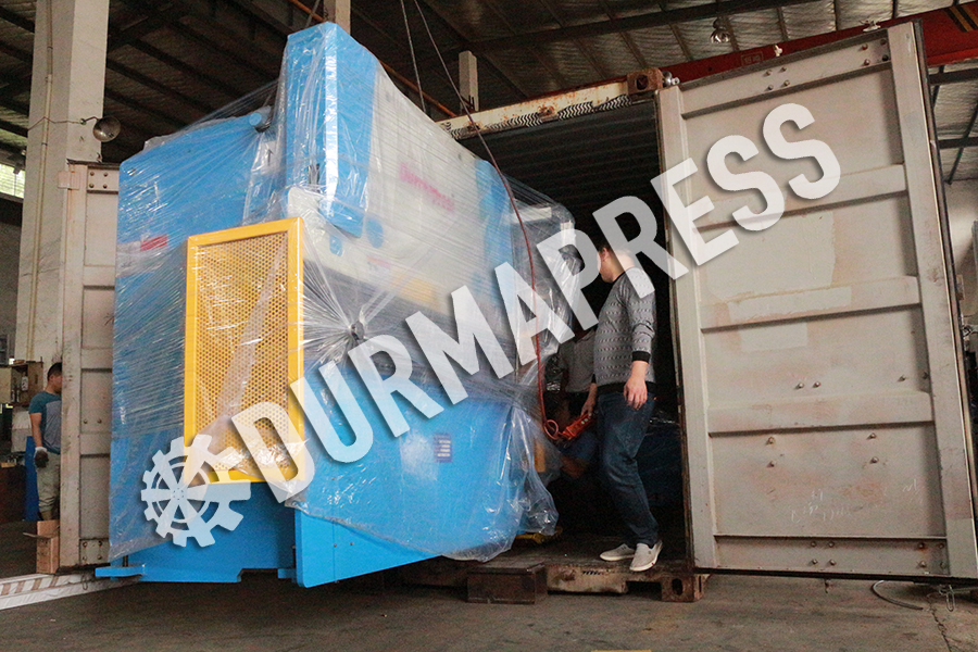 40T2500 and 4x2500 machine shipping to Austraulia