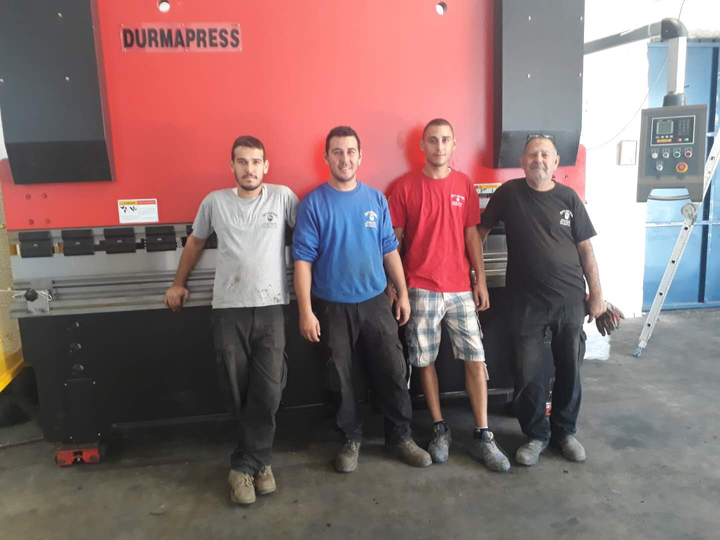 Congratulation to Israeli customers receive the WC67Y 200T 3200 and QC12Y 8X3200